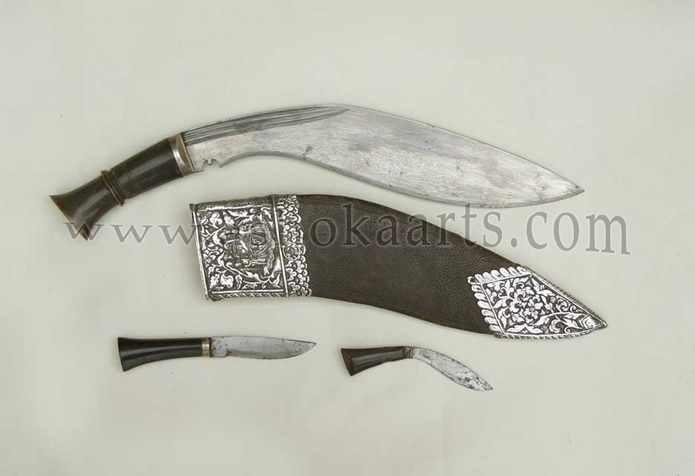Fine Nepalese or Indo Persian Kukri Knife with silver mounts