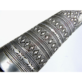 Turkish or Kurdish khanjar dagger with fine heavy silver sheath